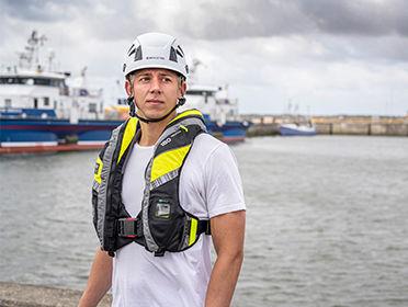VIKING YouSafe Vanguard lifejacket for offshore crew